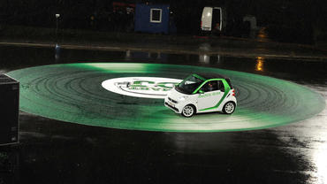 Der Smart For Two Electric Drive in Schlag den Raab: Smart DJ